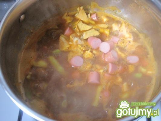 danie a'la sopa da pedra (zupa kamienna)