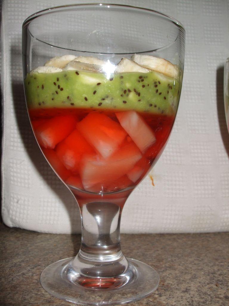 Deser z kiwi i jogurtem