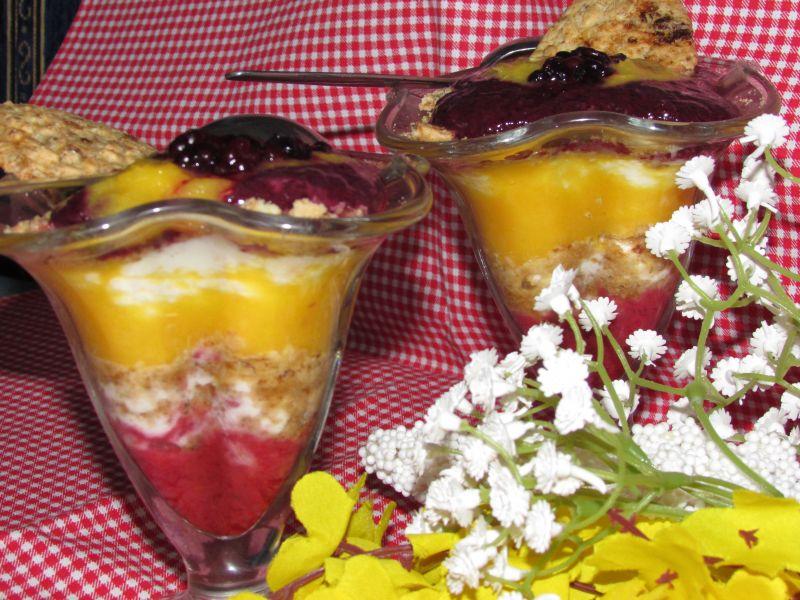Deser z owocami na śniadanie