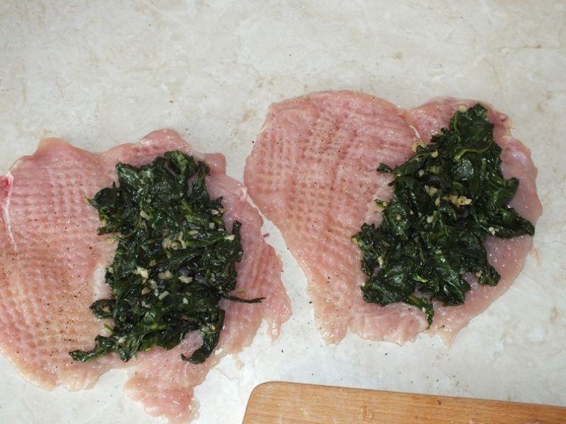 Dietetyczne kieszonki drobiowe ze szpinakiem