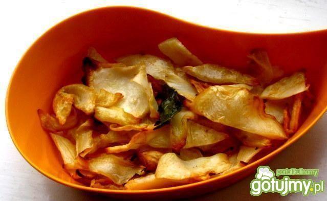 Domowe chipsy selerowe