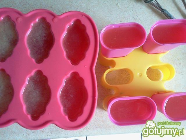 Domowe lody wodne cytrynowe