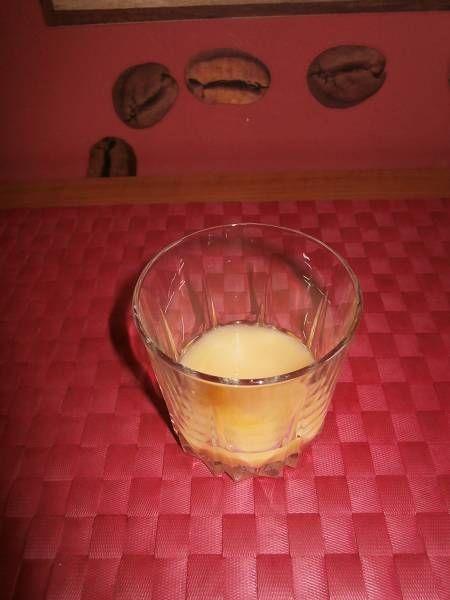 Drink z ajerkoniakiem,wódką i sokiem pomarańczowym
