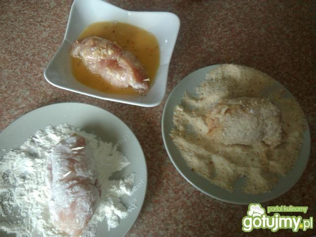 Drobiowe roladki z mozzarellą i papryką