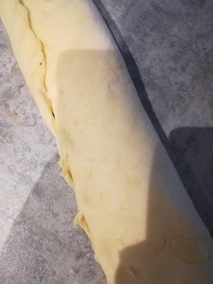 Drożdżowe bułeczki z makiem i serem