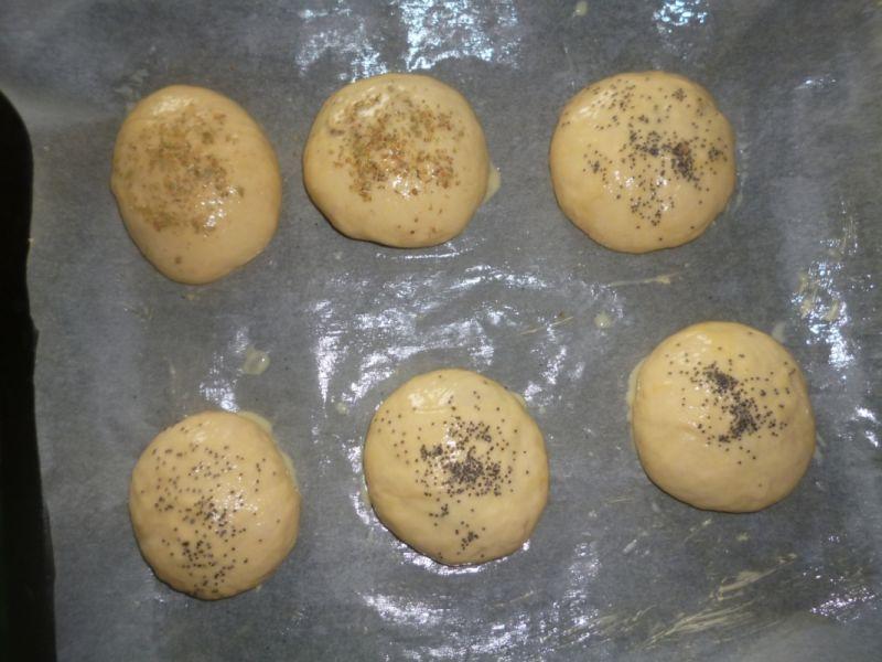 Drożdżowe bułeczki z maślakami