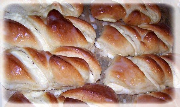 Drożdżówki z białym serem