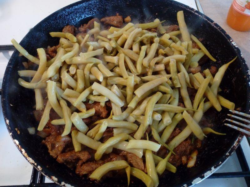 Fasolka szparagowa z mięsem z szynki