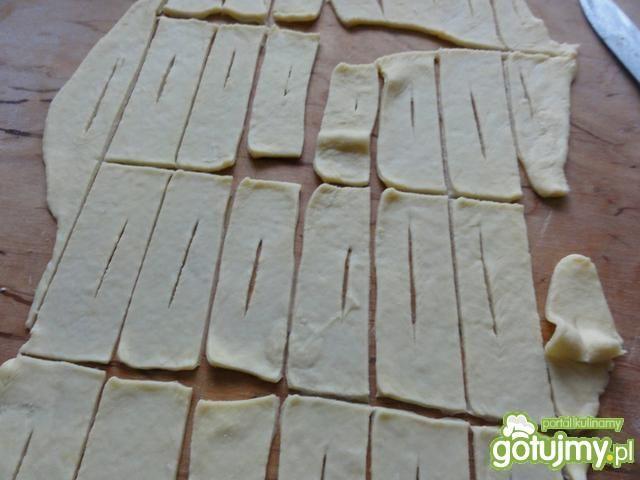 Faworki, czyli chrust z rumem