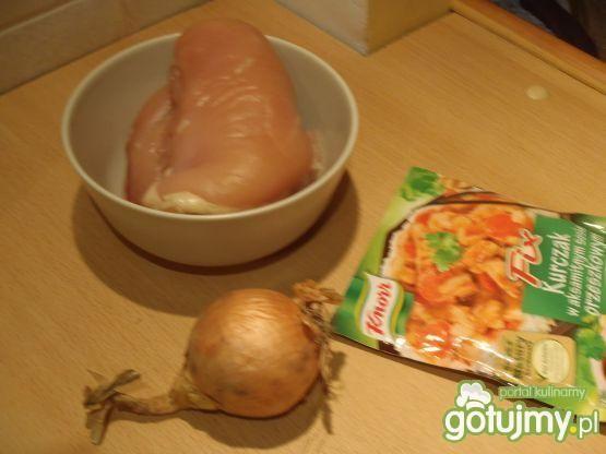 Filet z kurczaka w sosie orzeszkowym