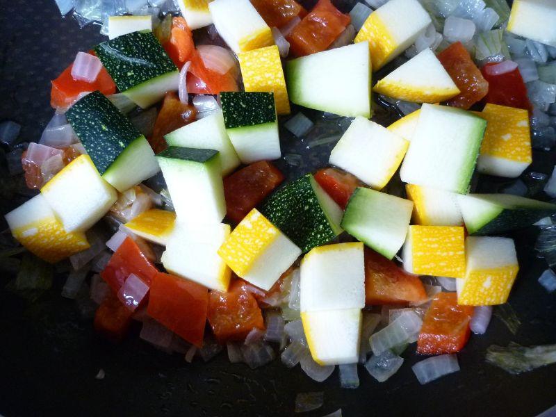 Flaki wołowe z warzywami