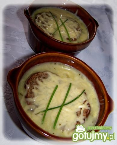 Francuska zupa cebulowa.