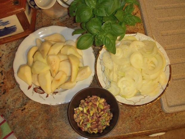 Gęsina z nadzieniem pistacjowo-gruszkowym