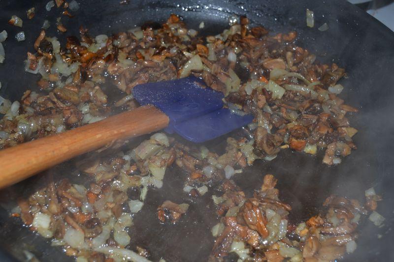 Gołąbki z kaszą gryczaną i grzybami