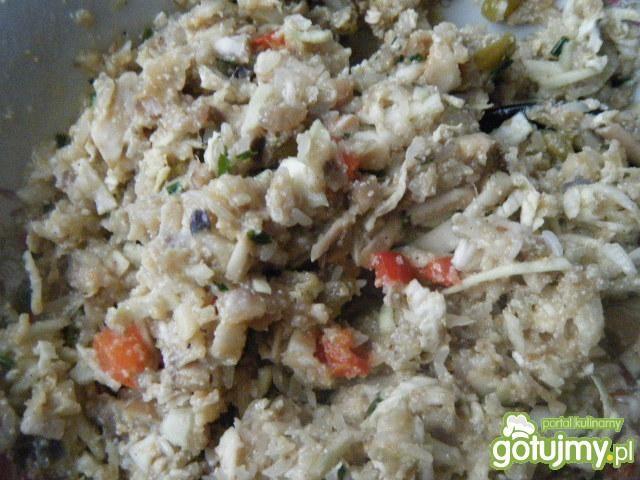 Gołąbki z pieczarkami, mięsem i ryżem
