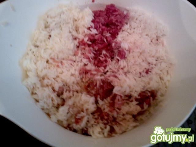 gołąbki z ryżem i mięsem mielonym