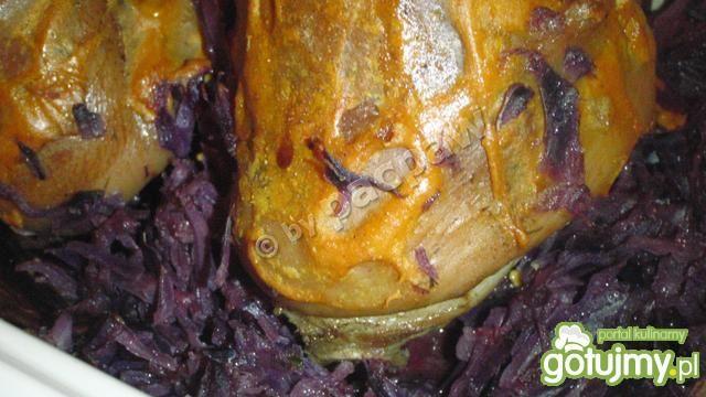 Golonka wieprzowa z kapustą  czerwoną