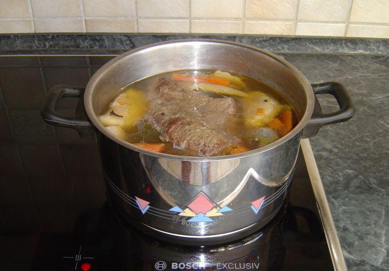 Gotowana wołowina z chrzanem ( Tafelspitz )