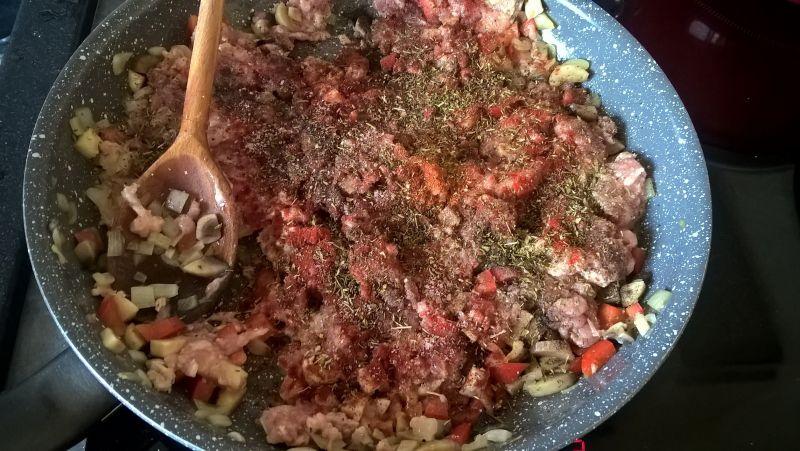 Grillowana cukinia faszerowana wieprzowiną