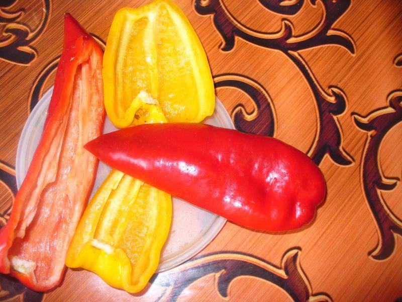Grillowana papryka,cukinia podana z kaszą gryczaną