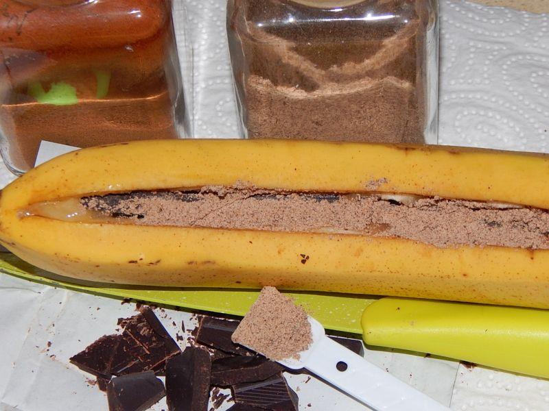 Grillowane korzenne banany z czekoladą