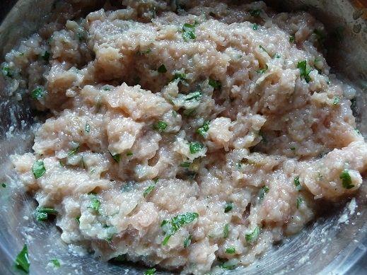 Grillowane lizaki z indyka z sosem jogurtowym