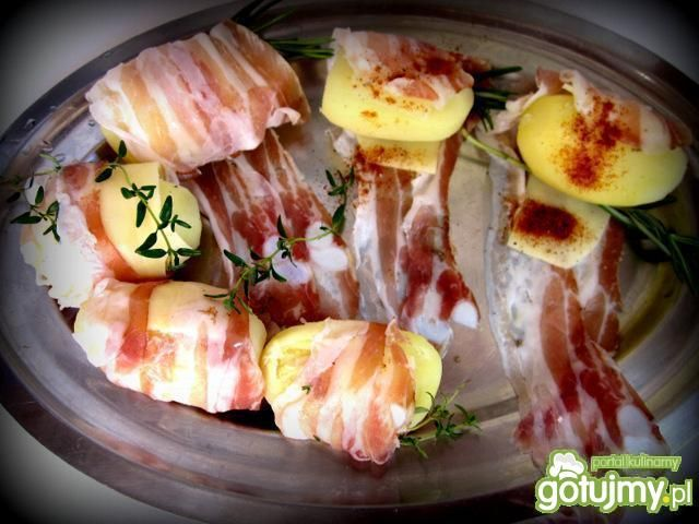 Grillowane ziemniaki z serem i boczkiem