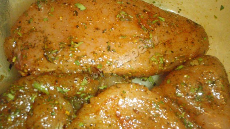 Grillowane, ziołowe piersi kurczaka