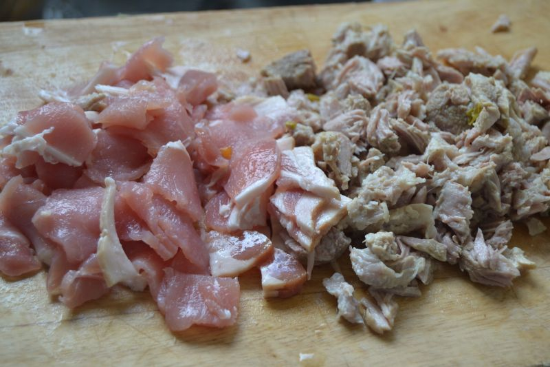Grochówka na kościach z mięsem
