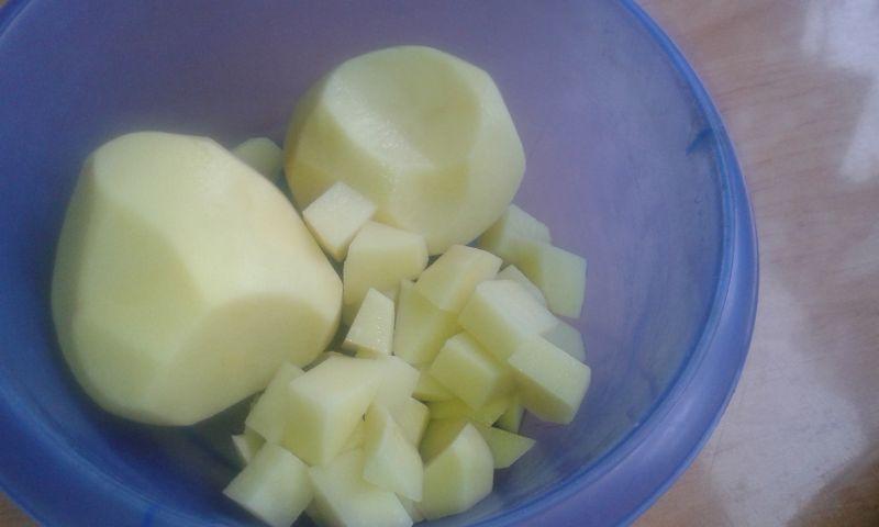 Grochówka z ziemniakami