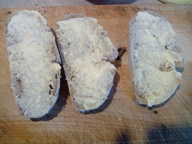 Grzanki z chleba