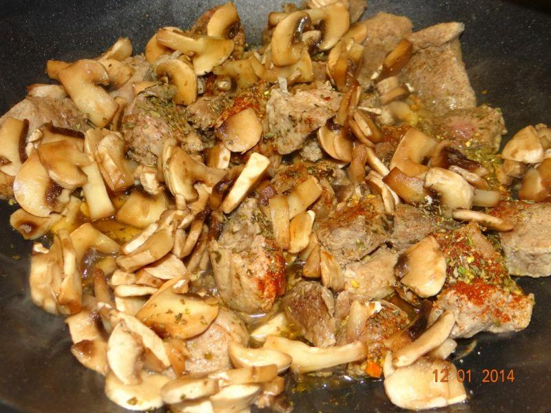 Gulasz grzybowo-wieorzowy