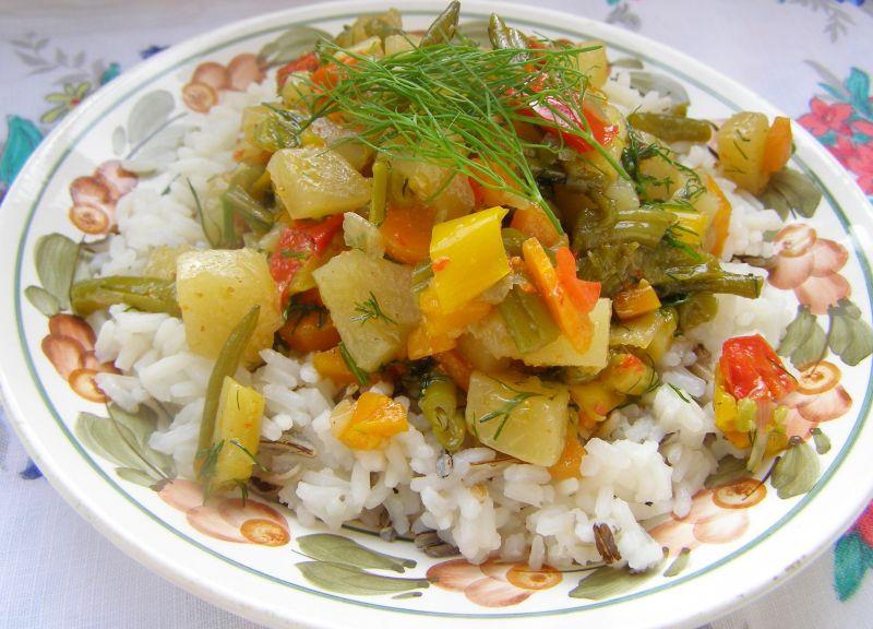 Gulasz wielowarzywny z ryżem