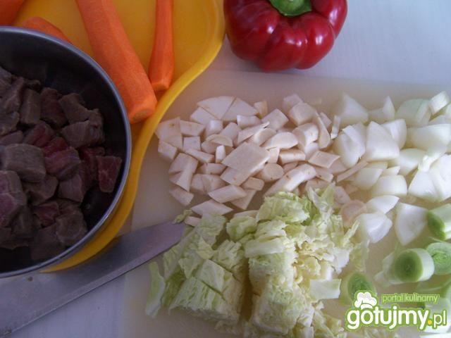 Gulasz wołowy z fasolą