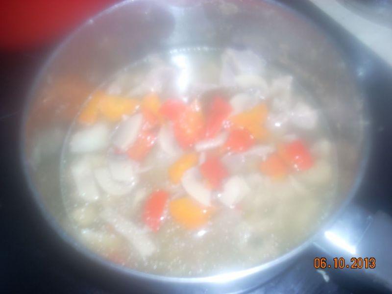 Gulasz z żołądków kurczaka
