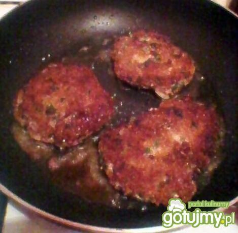 hamburger na tostach