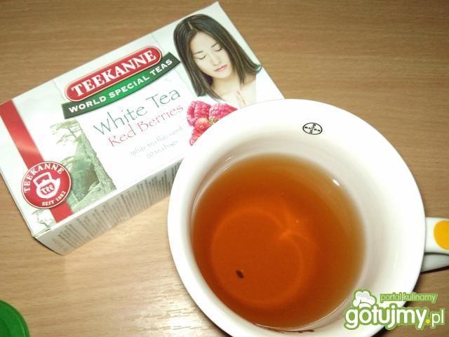 Herbaciane smoothie z truskawkami