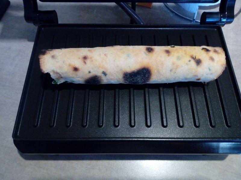 Hot-dog w tortilli z grilla
