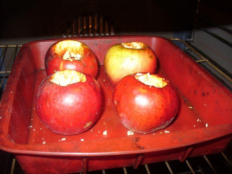 Jabłka  pieczone na deser