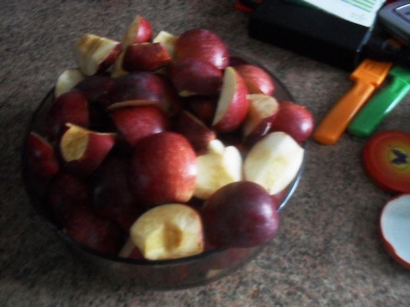 Jabłka prużone z cynamonem