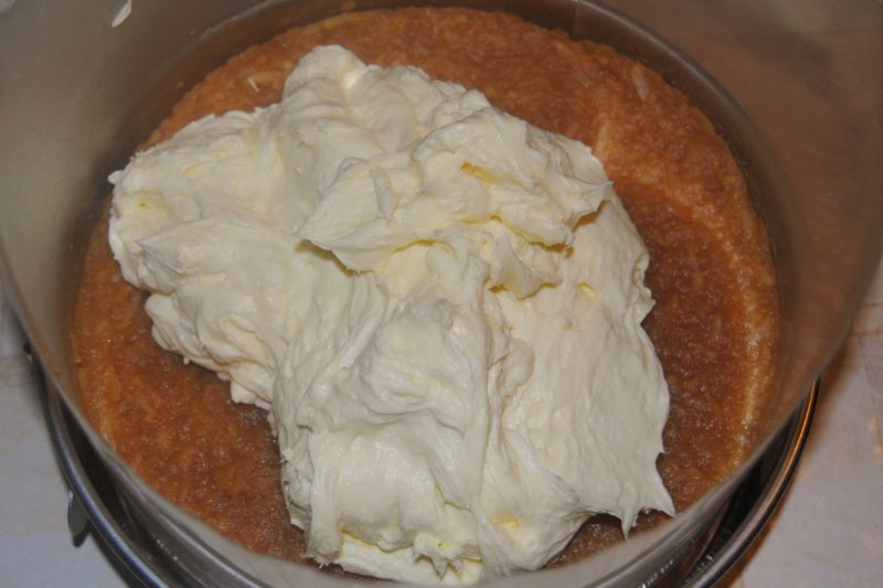 Jabłkowo-kokosowy  tort