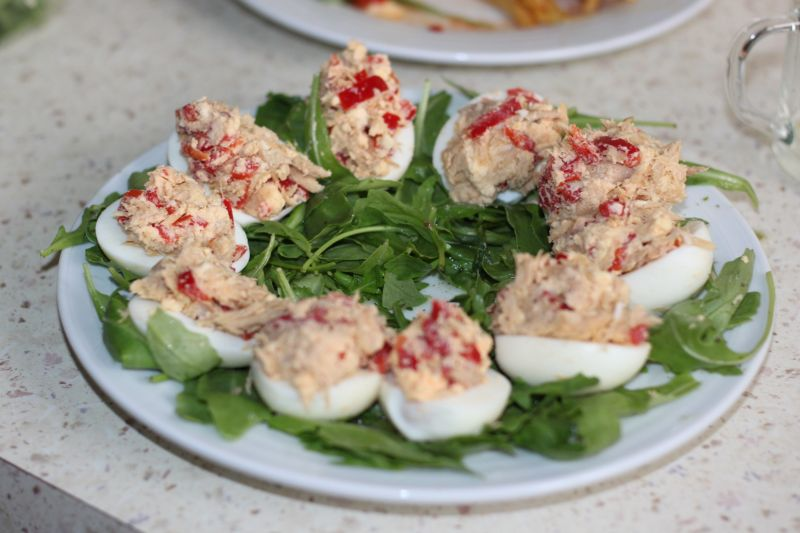 Jaja faszerowane tuńczykiem