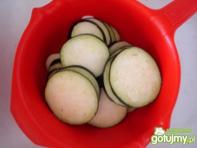 Jaja sadzone na warzywach