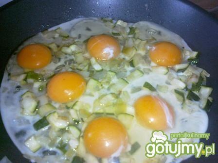 Jajecznica z cukinią.