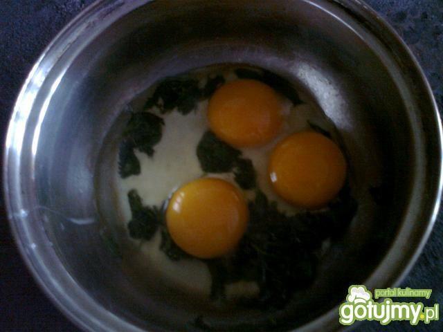 Jajecznica z pokrzywami 2
