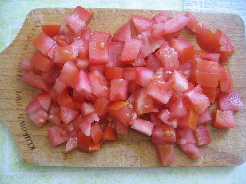 Jajecznica z pomidorem i pieczarkami