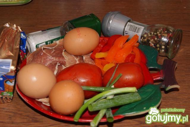 Jajecznica z portugalską szynką
