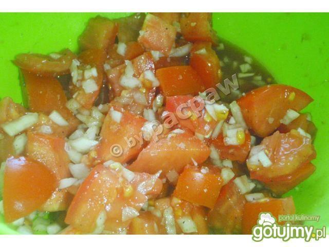 Jajka śniadaniowe z pomidorami