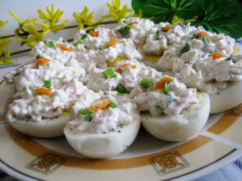 Jajka z sosem majonezowym