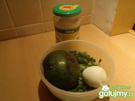 Jajko faszerowane awokado